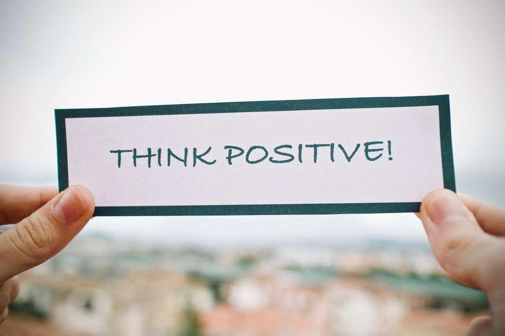 अपने आपको सकारात्मक रखने के पाँच तरीक़े
