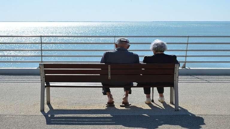घर में बुजुर्ग माता पिता का ख्याल रखने के महत्वपूर्ण टिप्स,Caring Tips for Senior Citizens