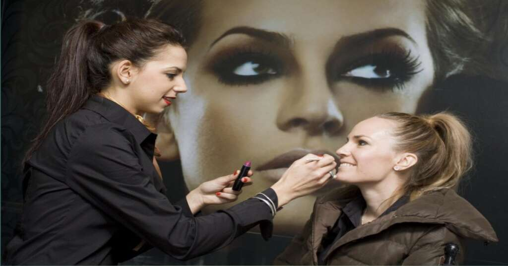 Amazing Tips to Remove Makeup with Easy Way